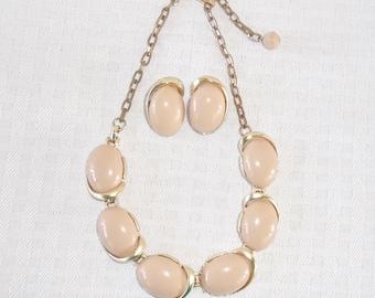 1950s Vintage Beige Thermoset Plastic Necklace Earrings Demi Parure