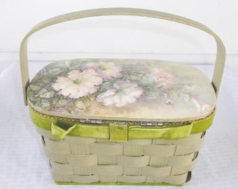 1970s Vintage Green Basket Box Purse with 3D Flower Lid
