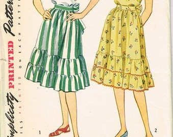 VINTAGE Simplicity Misses Junior Misses 1950s Size 12 Ruffled Blouse and Skirt FACTORY FOLDED Printed Pattern 1916