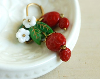 strawberry earrings, strawberry blossoms, strawberry drop earrings, strawberry jewelry, red glass earrings, summer strawberries