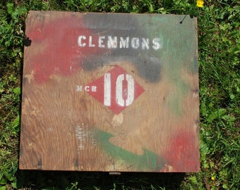 Beatnik artist supplies travel case Clemmons MCB 10 spray painted graphics splattered primitive wooden box ink wells art on the go