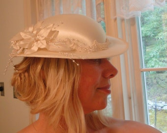 English riding bride Hat Victorian Wedding white floral feathers and pearls short brim derby hat bridal church
