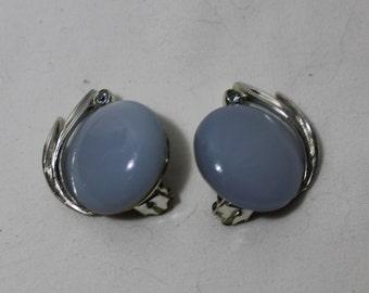Vintage LISNER Pale Blue Moonglow Clip On Earrings