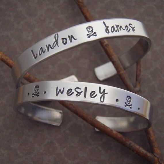 Skull and cross bones bracelet - Pirate birthday party favor - Boy's name bracelet - Rebel child - Hand stamped kids cuff - Aluminum cuff