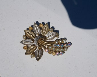 Vintage 1950's Silver and Goldtone Starbust Comet Dinner Brooch with Rhinestones & Peral Beads