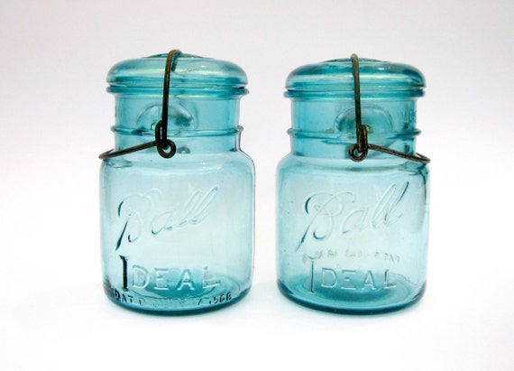Blue Mason Jar with Wire Bail Jar - Blue Pint - Great for Vintage Organizing