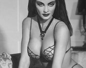 Sexy Lily Munster Yvonne De Carlo Goth Pinup The Munsters TV Show Photo Reprint 1960s Kitsch Horror Adult Halloween Decor Spider Web Bikini