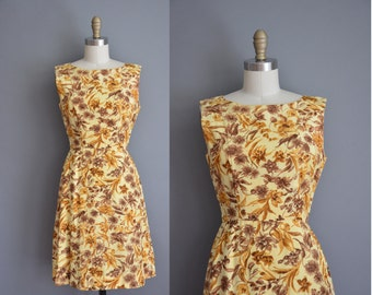 vintage 1950s dress / brown golden floral print dress / 50s wiggle dress