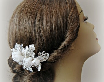 Light Ivory Bridal Fascinator, Wedding Hair Clip with Flowers and Lace, Crystals - NOUVELLE ROMANCE