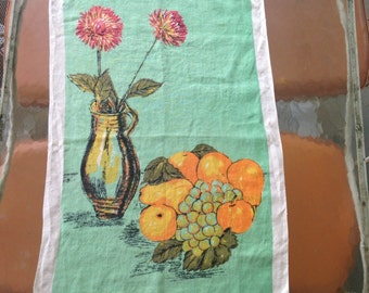 STILL LIFE, 1960s  Linen Tea Towel - hand towel, vintage kitchen linen - MUMS in a vase with fruits + berries - turquoise, sea foam, orange