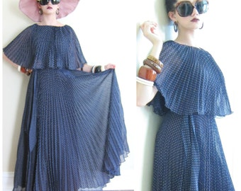 Vintage 1970s Maxi Dress in Polkadot Print / 70s Navy Blue and White Pleated Party Dress / Small