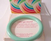 Green Mint Bracelet Bangle Vintage Avon Color Go Round 1979 Medium Lucite Thick Flat Wide Rounded Edge Smooth Open Ring