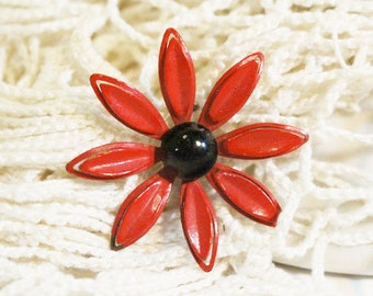 Red Enamel Flower Pin, Red Daisy Brooch, Vintage      -Q