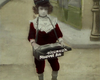 Vintage Unused French Postcard - Little Mail Boy 'Happy New Year'