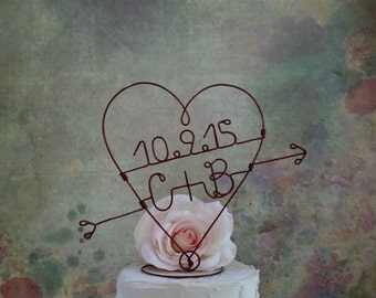 INITIALS Wedding HEART and ARROW Cake Topper, Monogram Wedding Cake Topper, Weddings Centerpiece, Engagement Party Decoration, Bridal Shower