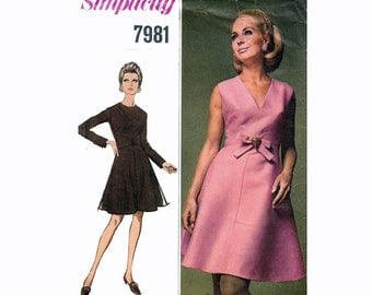 """60s Dress Sewing Pattern Empire Waist Midriff Seam Detail Bow Sleeveless or Long Sleeve Size 10 Bust 32.5"""" (82 cm) Simplicity 7981 S"""