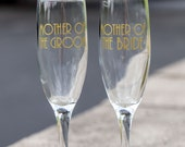 Mother of the Bride and Groom glasses, Match your wedding colors.  Bridesmaid gift, maid of honor gift. Art deco wedding idea. Great Gatsby