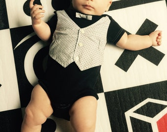 Baby Boy OnePiece, Boy black onesie, Grey diamond pattern Vest and Bowtie, Toddler onesie, baby boy clothing, sophisticated baby
