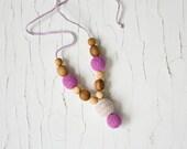 Petite Nursing Necklaces, Mum Necklace, Breastfeeding, Babywearing, Teething Jewelry - Lilac, Apple Wood - FrejaToys