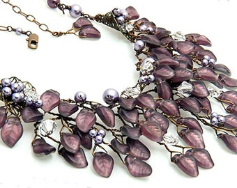 Amethyst Purple Statement Necklace, Purple Bib Necklace, Purple Wedding Necklace, Bridal Accessories, Nature Jewelry, Leaf Jewelry