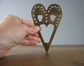 Vintage Brass Trivet / Heart / Love / Pot stand / cooking / kitchen / English / *209
