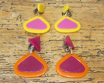 2 pair vintage drop earrings, Austin Powers Mad Men era 1960s. Price for one set.