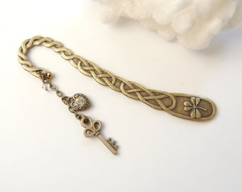 Key Bookmark, Key to my Heart Bookmark, Antiqued Bronze Bookmark, Metal Bookmarks, Books and Zines, Heart Key Charms, Gift Idea. B277