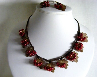 Juicy Red Berries with Brown Autumnal/Fall Leaves Jewellery Set
