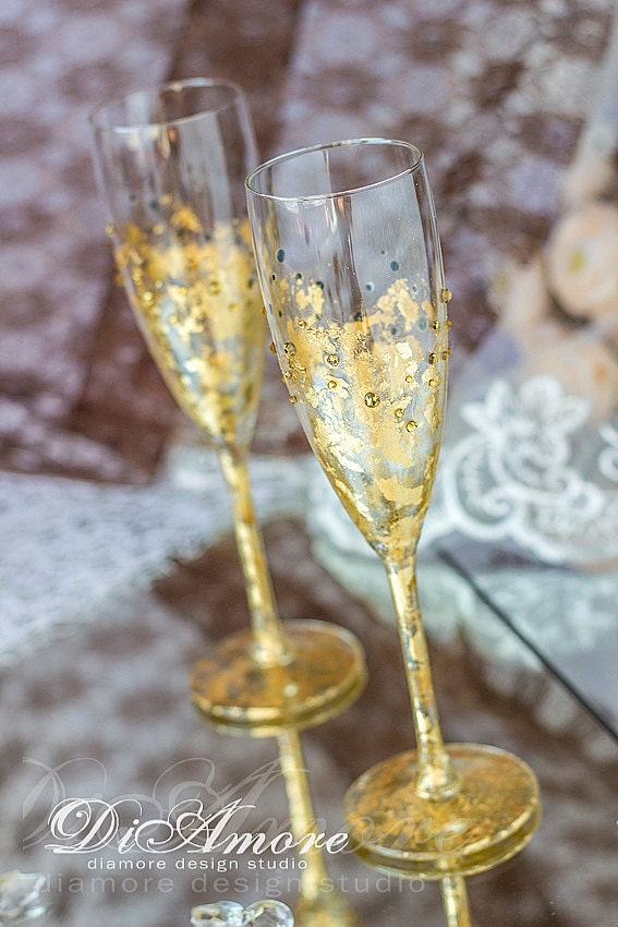 personalized toasting flutes gold wedding champagne glasses. Black Bedroom Furniture Sets. Home Design Ideas