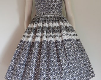 Lovely 50s 60s Gold and Lilac Picnic Dress / Full Skirt / Small Medium / Bow