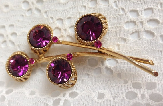 SALE Vintage Goldtone Unsigned Faceted Amethyst Purple and Pink Stone Three Dimensional Pin Brooch  Unique