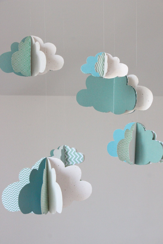 mobile b b nuages 3d guirlande assortie par hautecomme3pommes. Black Bedroom Furniture Sets. Home Design Ideas