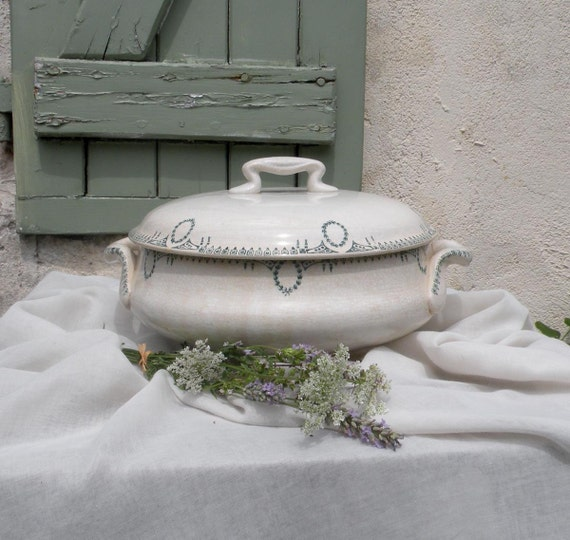 French vintage tureen soupière, Transferware tureen, French antique soupière, country cottage, transferware, shabby chic, country home
