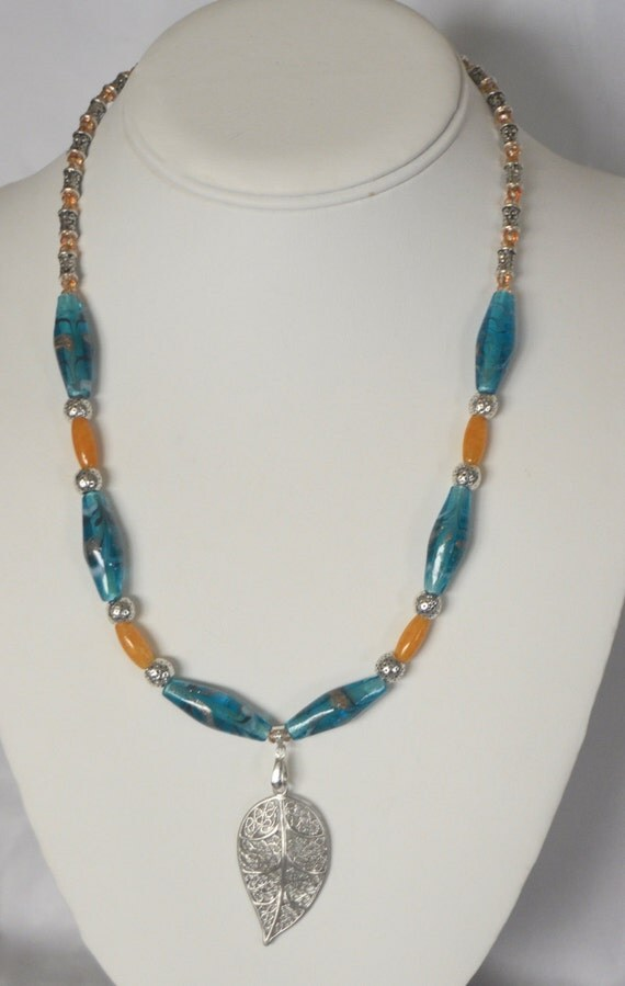 "16"" Teal Necklace with Leaf Pendant"