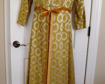 Los fabulosos años 50 oro bordado trapecio anfitriona vestido plumero Maxi vestido
