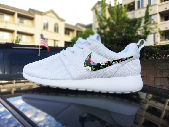fmooj Custom Womens Nike Roshe Run sneakers Floral by CustomSneakz