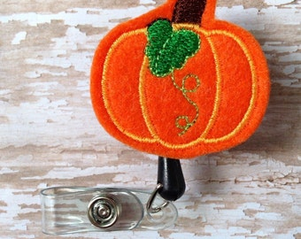 Pumpkin retractable badge reel, Halloween felt badge reel, Pumpkin id badge reel,  Halloween badge reel, halloween pumpkin id holder