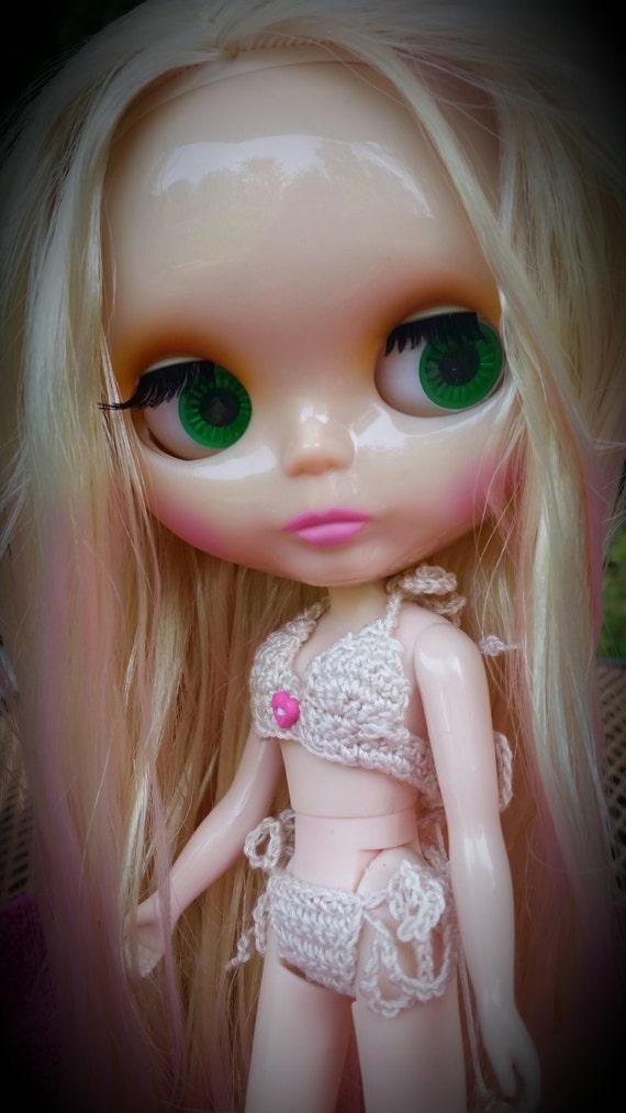Tiny 2 Piece Crochet Bikini Swimsuit for Blythe Doll in Cream or Red, Handmade