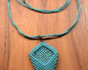 """Raster"" Macrame necklace - Custom, choose your color"