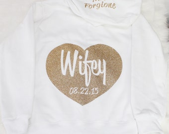 Personalize Wifey full-zip Hoodie with Date. Bridesmaid Hoodie, Zip Up Hoodie,  Bride Hoodie, Bridal Gift, Bachelorette Hoodie