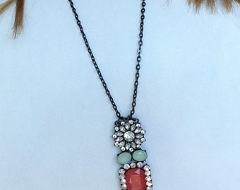Statement Necklace: Flower Design