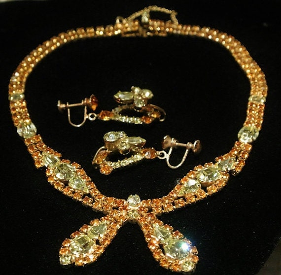 Vintage Rhinestone Necklace Earrings Demi Parure Bib Set 1950s Mid Century Hollywood Art Glass Crystals Golden Topaz Lemon Chatons Pears