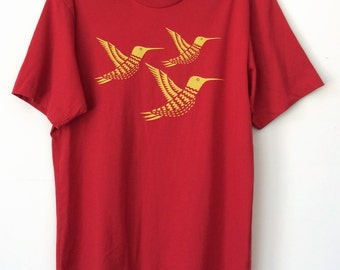 Special - Men's/Unisex Hummingbirds T-Shirt Red/Yellow