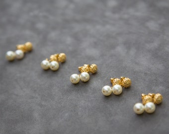 Gold Pearl Bridesmaid Earrings, Gold Stud Earrings, Bridesmaid Gift Set of 5, Ivory Pearl Earrings