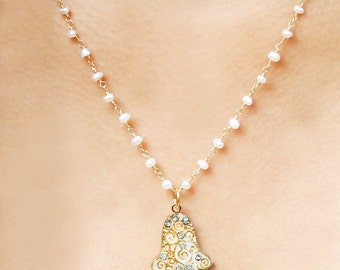 Fresh Pearls Hamsa Swirl