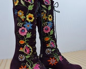Vintage 1960's PeNNy LaNe ALmoSt Famous Embroidered PuRpLE Suede Leather Granny BooTs Size 8.5 9