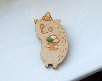 Icecream Bear - wooden brooch, birch wood