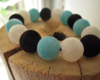 Bracelet velvet beads