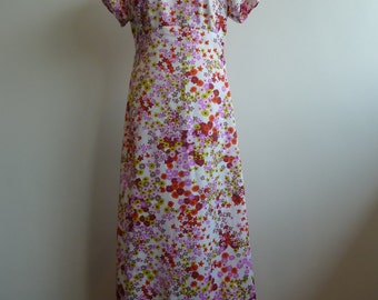 VTG Romantic 1970s Maxi Summer Dress Flower Print Empire Waist and Puff Sleeves in Size S/M