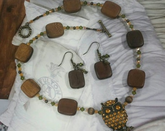 rhinestone owl w/Swarovski crystals and wood beads, choker necklace, jewelry set, childrens jewelry, steampunk jewelry, owl necklace